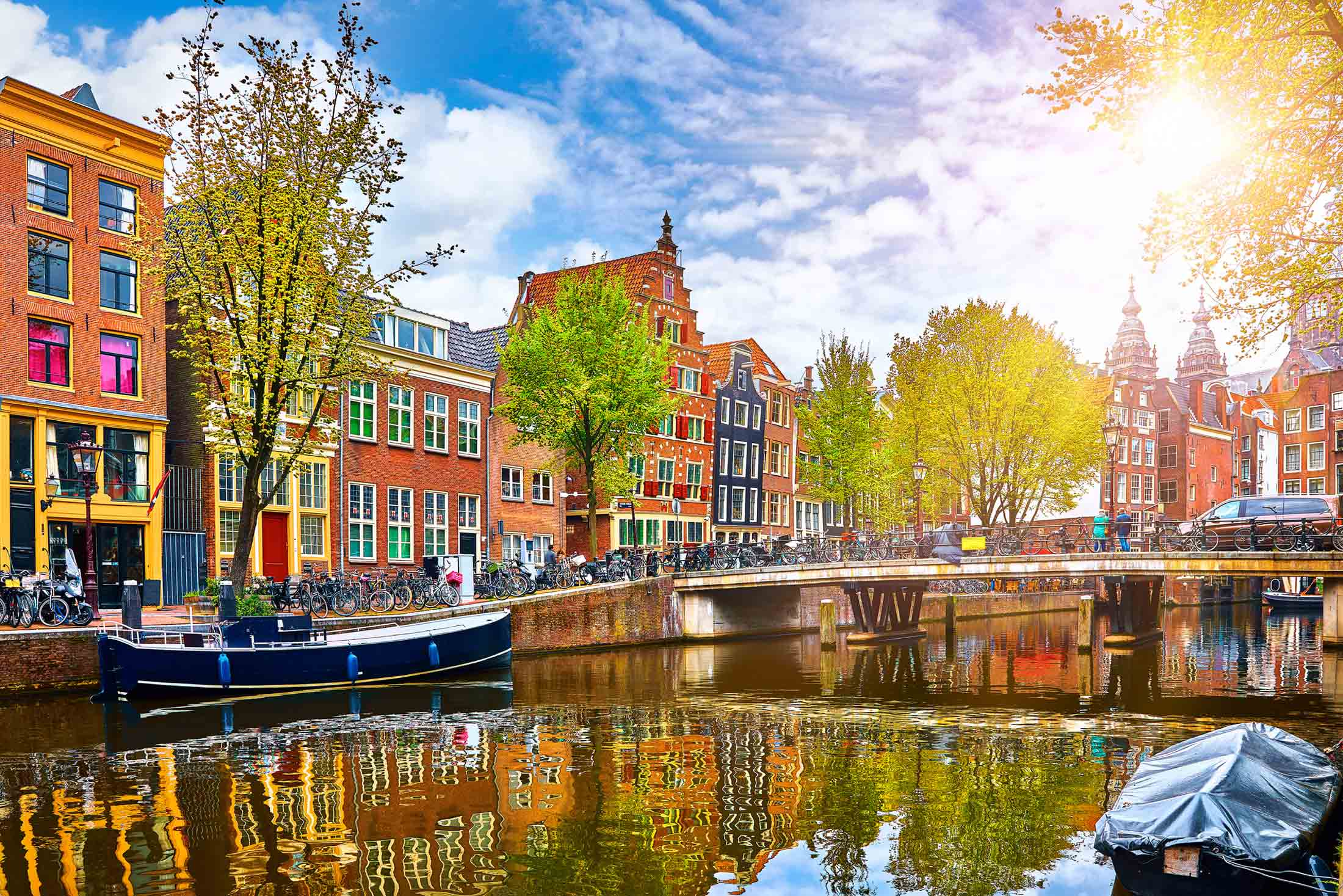 Amsterdam – Sightseeing, Travel During Holiday Season